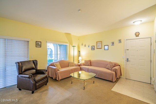 6. 461 Country Club Drive #111 Simi Valley, CA 93065