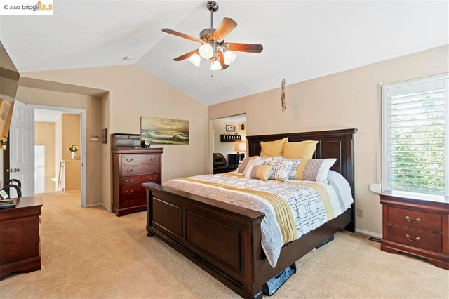 22. 619 Edenderry Dr Vacaville, CA 95688