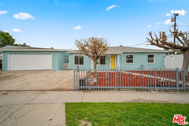 10356 VAN RUITEN Street, Bellflower, California 90706, 3 Bedrooms Bedrooms, ,1 BathroomBathrooms,Residential,For Sale,VAN RUITEN,20542556