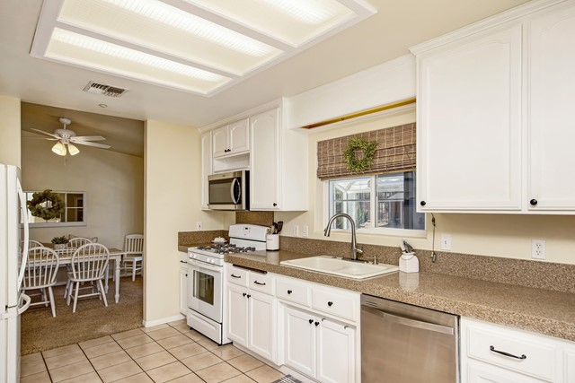 17. 8628 San Vicente Drive Yucca Valley, CA 92284