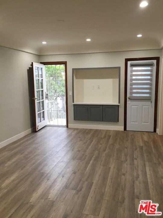 3. 1270 S Bronson Avenue Los Angeles, CA 90019
