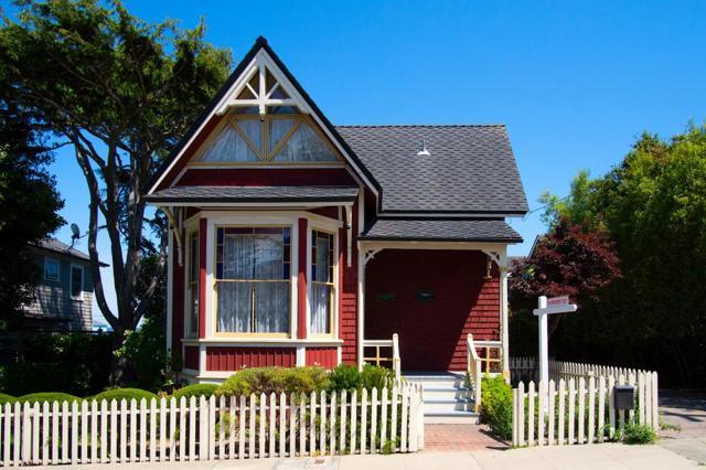 Photo of 117 10th Street, Pacific Grove, CA 93950