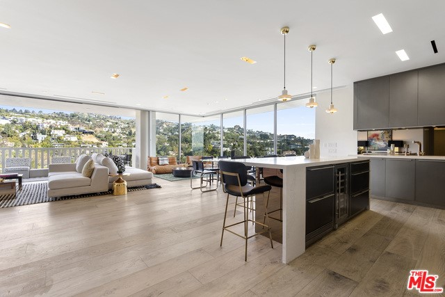9255 DOHENY Road 1805, West Hollywood, CA 90069