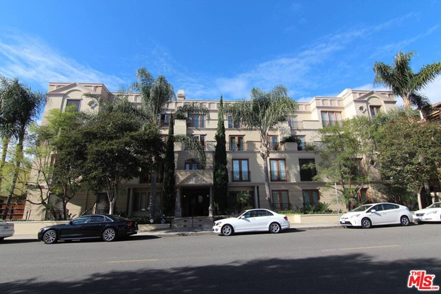 Photo of 137 S Spalding Drive #202, Beverly Hills, CA 90212