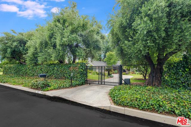 8963 Oak Park Av, Sherwood Forest, CA 91325 Photo 1
