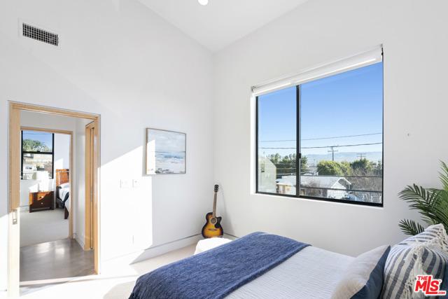 628 Elvira Avenue, Redondo Beach, California 90277, 6 Bedrooms Bedrooms, ,6 BathroomsBathrooms,For Sale,Elvira,21680554