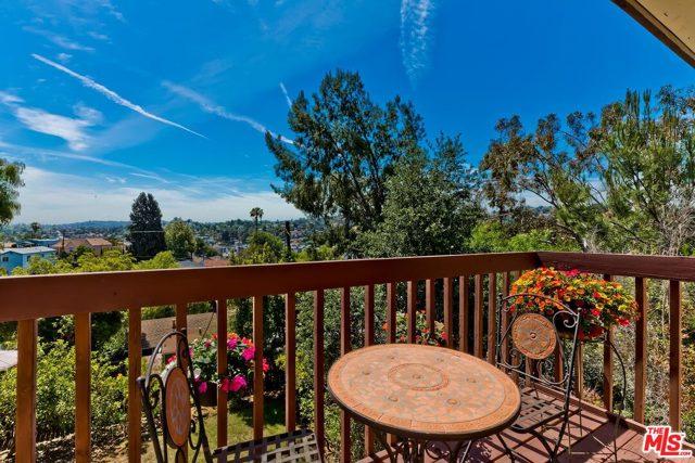 9. 2750 Medlow Avenue Los Angeles, CA 90065