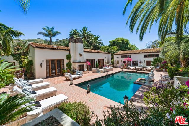 23155 MARIPOSA DE ORO Street Malibu, CA 90265