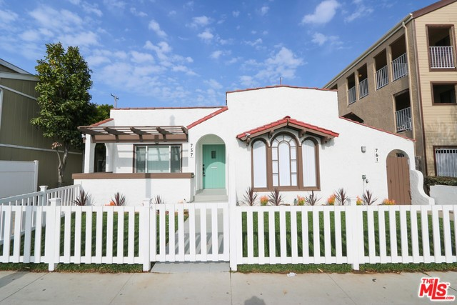 757 REDONDO Avenue, Long Beach, CA 90804