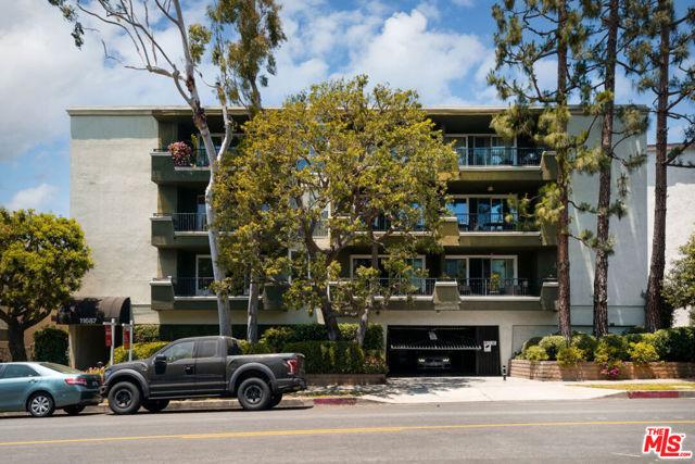 25. 11687 Montana Avenue #101 Los Angeles, CA 90049