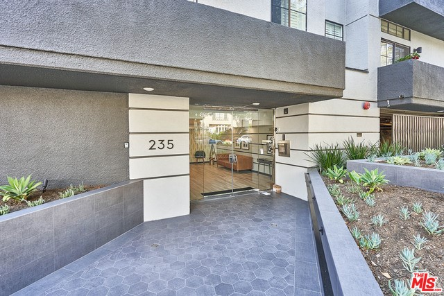 235 S REEVES Drive 204, Beverly Hills, CA 90212