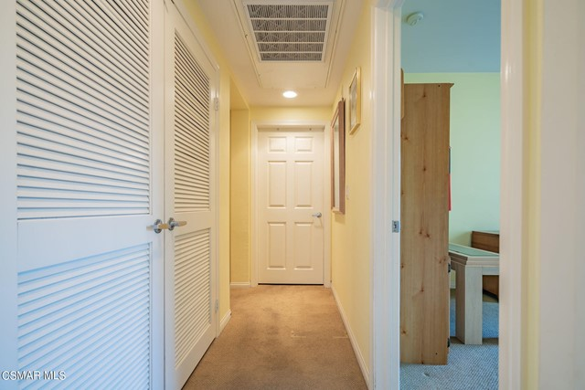 32. 461 Country Club Drive #111 Simi Valley, CA 93065
