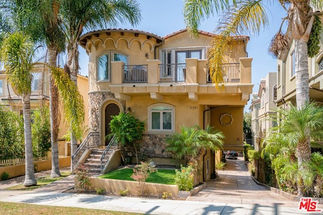 239 S Irena Avenue B, Redondo Beach, CA 90277