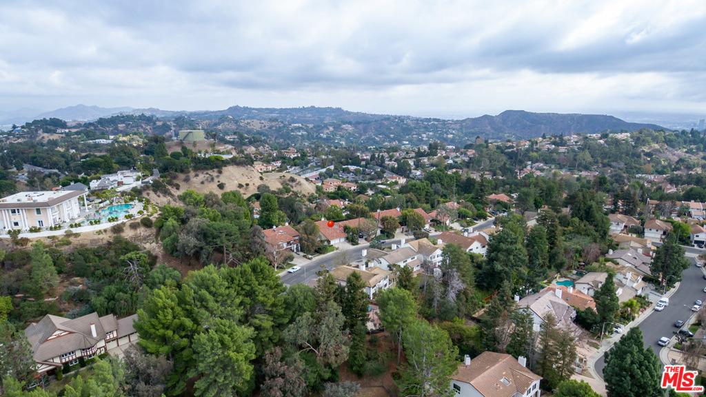 3048     Nicada Drive, Los Angeles CA 90077