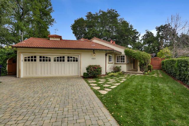 680 Oakwood Court, Los Altos, CA 94024