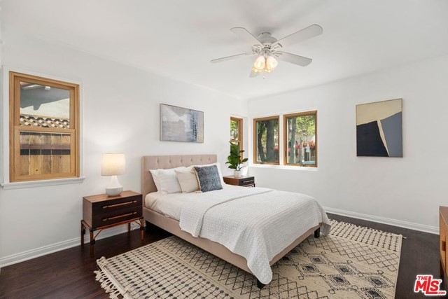 15. 745 N Poinsettia Place Los Angeles, CA 90046
