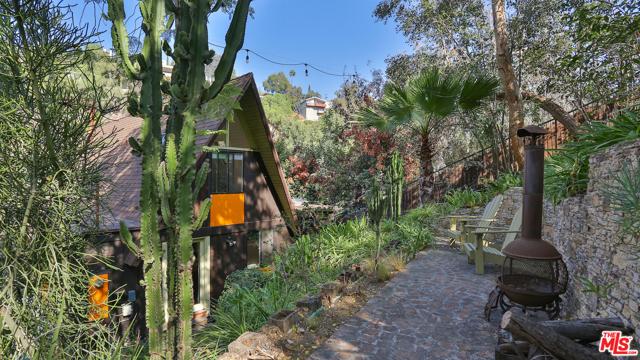 37. 559 Milton Court Los Angeles, CA 90065