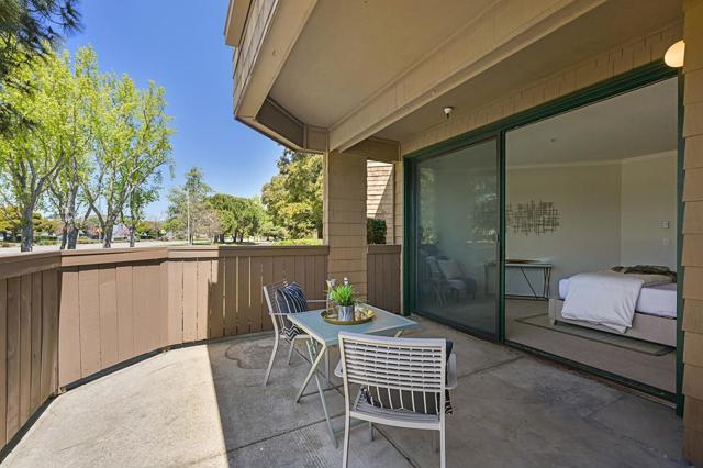 22. 13 Pelican Lane Redwood City, CA 94065