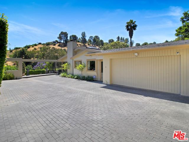 18004 BORIS Drive, Encino, CA 91316