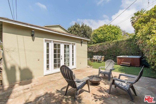 36. 8104 Gonzaga Avenue Los Angeles, CA 90045