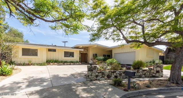 Photo of 23762 Ladrillo Street, Woodland Hills, CA 91367