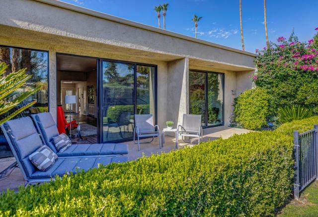 34. 2376 Oakcrest Drive Palm Springs, CA 92264