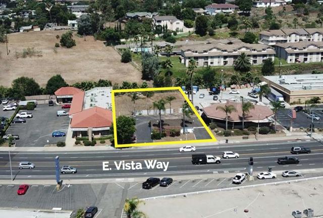 1020 E Vista Way, Vista, CA 92084