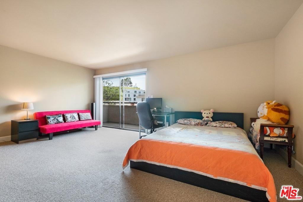 10982     Roebling Avenue   406, Los Angeles CA 90024