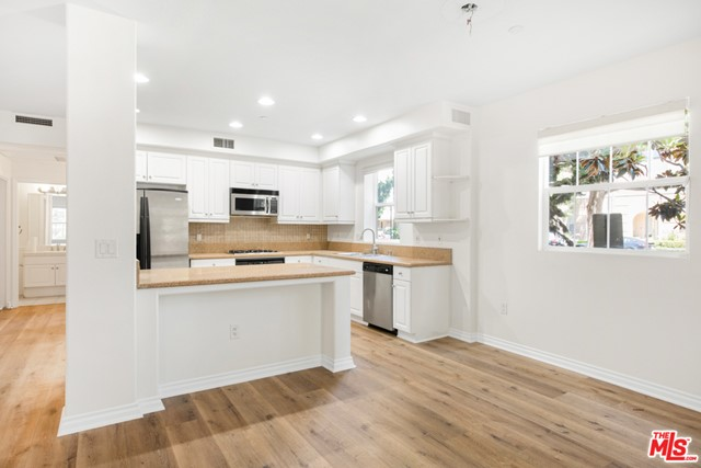 13080 Pacific Promenade, Playa Vista, CA 90094 Photo 11