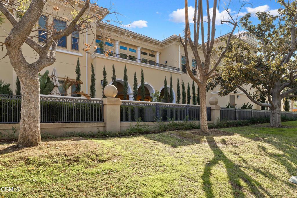 102 Orange Grove Boulevard Pasadena, CA 91105