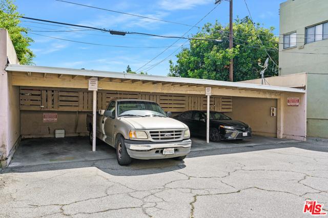 6224 De Longpre Avenue, Los Angeles CA: https://media.crmls.org/mediaz/860EA56A-0F82-4EA4-A39D-F46EDC1E9B2B.jpg