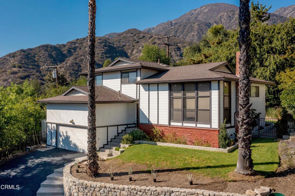 Photo of 5516 1/2 Goss Canyon Avenue, La Crescenta, CA 91214