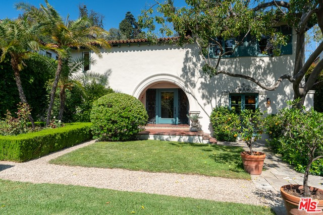1836 OUTPOST Drive, Los Angeles, CA 90068