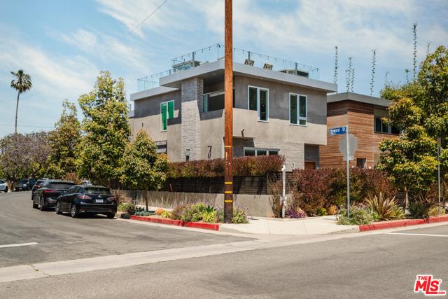 6. 731 Oxford Avenue Venice, CA 90292
