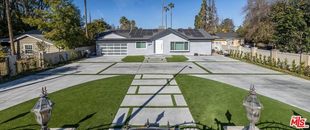 Photo of 23051 Burbank Boulevard, Woodland Hills, CA 91367
