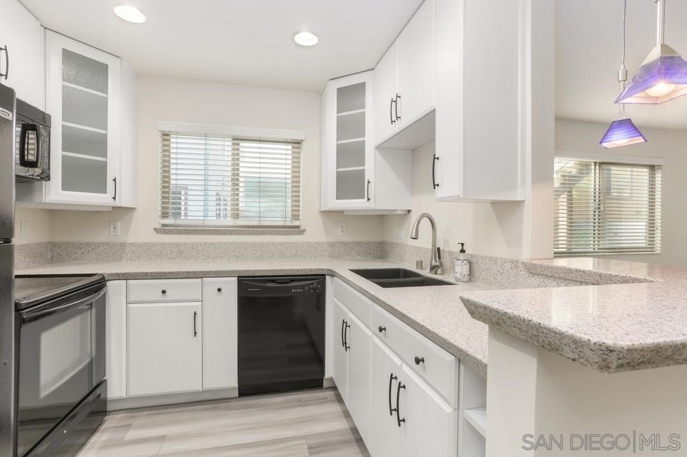 5550     Adelaide Ave     4, San Diego CA 92115