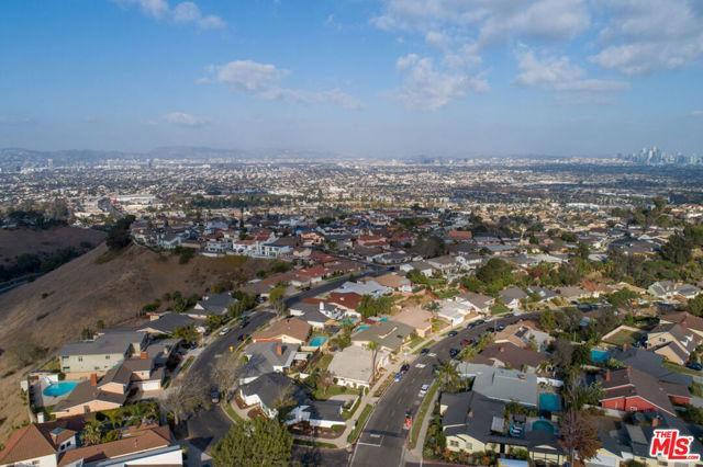 Image 30 of 4580 Don Felipe Dr, Los Angeles, CA 90008