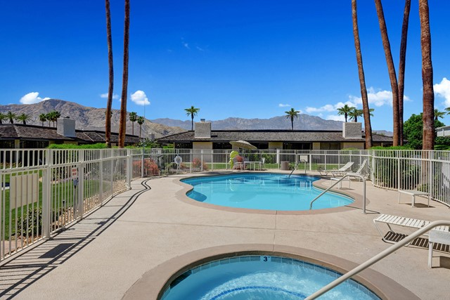 COMMUNITY SPA AND POOL TO MOUNTAINS MLS