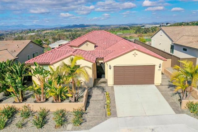 416 Adobe Estates Dr, Vista, CA 92083