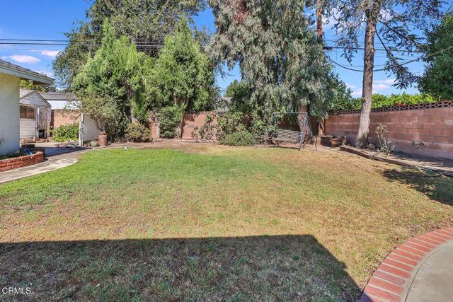 25. 10133 Gaviota Avenue North Hills, CA 91343