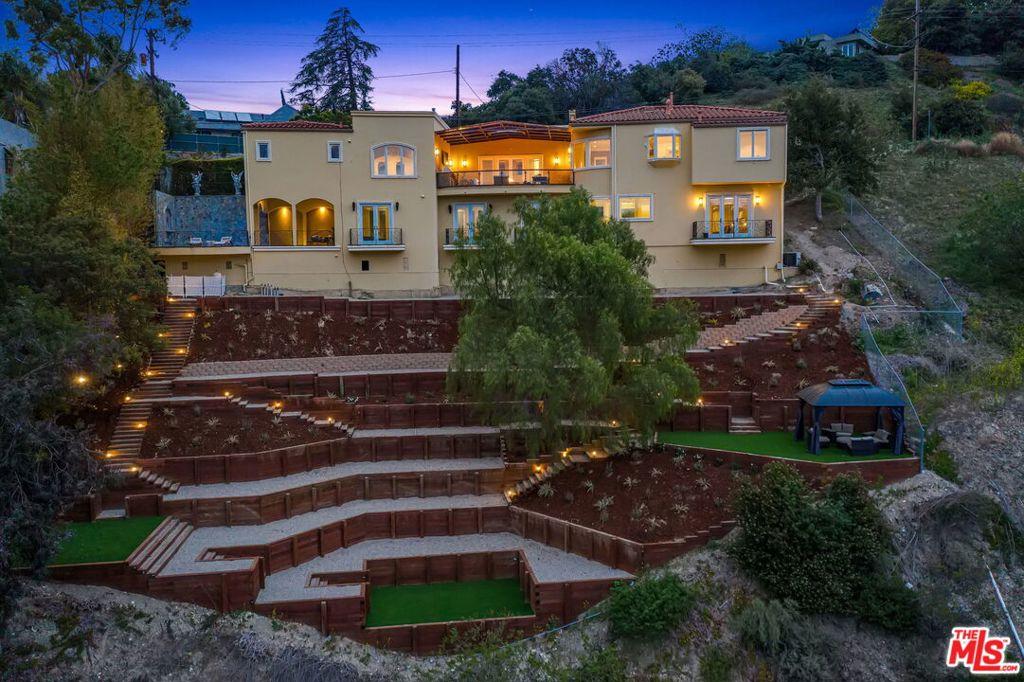 3601     Dixie Canyon Avenue, Sherman Oaks CA 91423