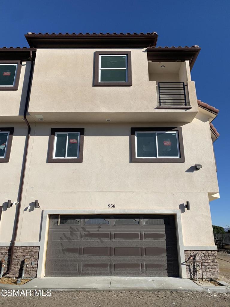 936     Warwick Avenue, Thousand Oaks CA 91360