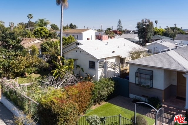 Great Location! Bring your Imagination (or your designer) to this Venice cul-de-sac home to make it your own.  Cul-de-sac ends at Golf course/Marine Park and property is short distance to beach, Rose Avenue, Whole Foods/Gelsons, Main St. , Abbot Kinney, Deuce Gym + Santa Monica.  While home is a 2+1 fixer with lots of deferred maintenance, there have been some upgrades; (new heater (2014), new 200amp electric panel (2014), sewer line upgrade with new cleanup (2011), upgraded water/gas lines (2014), water heater).   Front/back yards have a variety of fruit trees, rose + berry bushes.  Garage is currently a rec room which abuts the privately gated alley (only local homeowner have key to access alley).  Be inspired by other newer homes nearby w/ADUs.  So much potential!!