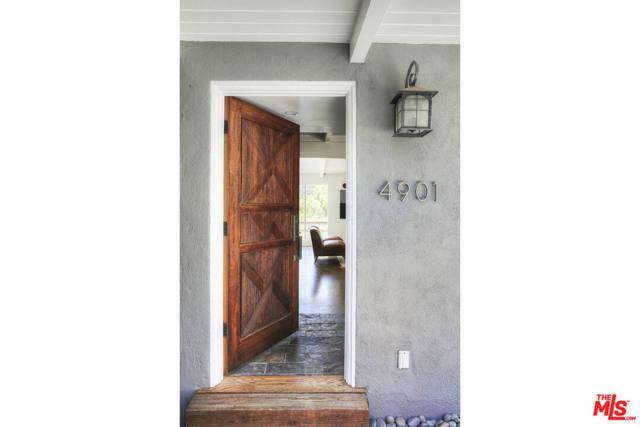 6. 4901 Escobedo Drive Woodland Hills, CA 91364