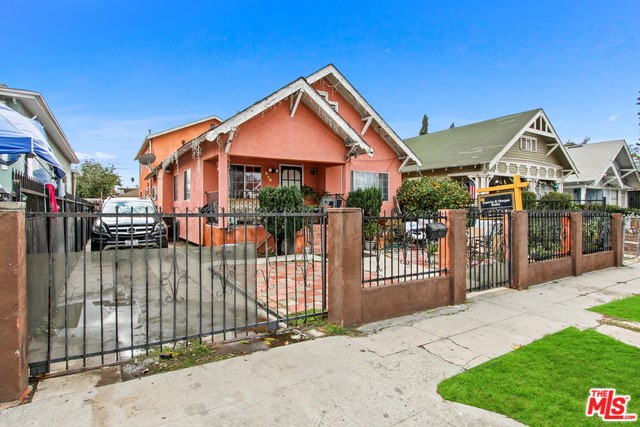 620 W 43RD Place, Los Angeles, CA 90037