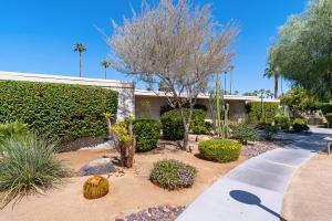 1211 Tamarisk W St, Rancho Mirage, CA 92270