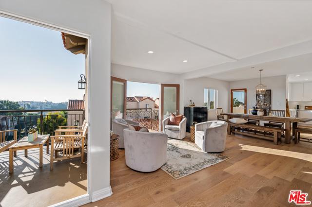 651 9th Street, Hermosa Beach, California 90254, 4 Bedrooms Bedrooms, ,4 BathroomsBathrooms,For Sale,9th,20656988