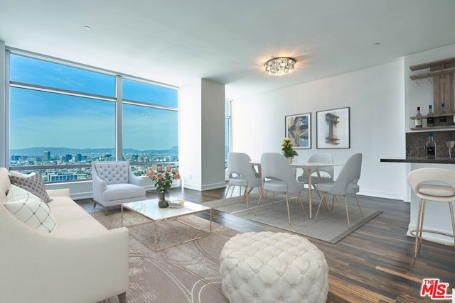900 Olympic, Los Angeles, California 90015, 2 Bedrooms Bedrooms, ,3 BathroomsBathrooms,Condominium,For Lease,Olympic,21715012