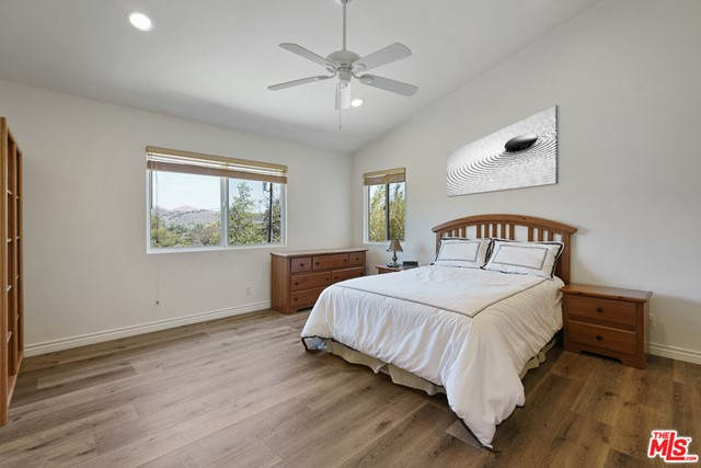 17. 3110 Foothill Drive Thousand Oaks, CA 91361