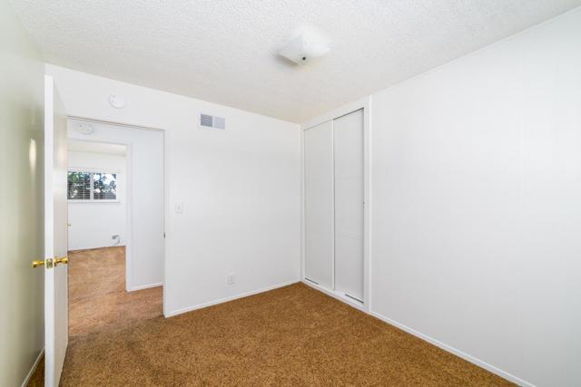 909 N Elderberry Ave-11